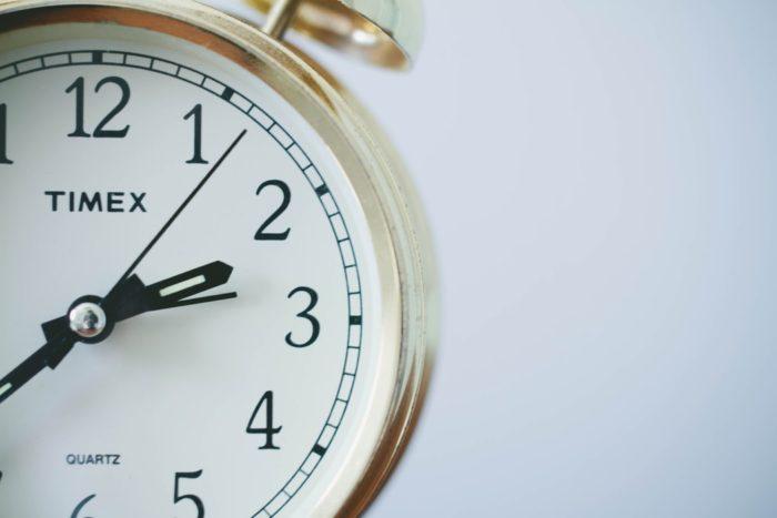 デートの時間をイメージさせる時計